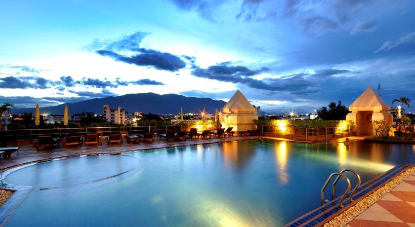 Duangtawan Hotel – Ved natmarked